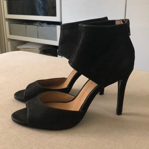 Banana republic black peep toe heels